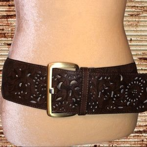 Cowgirl look!  wide stretchy belt